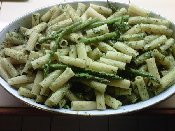 pesto rigatoni and asparagus
